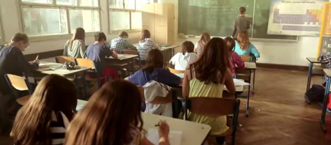 ВАЖНО ОБАВЕШТЕЊЕ  ЗА РОДИТЕЉЕ! НОВИ ЗАКОН: Ако ваше дете буде насилно у школи, изостаје неоправдано КАЗНЕ СУ ОГРОМНЕ!