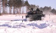 СПЕКТАКУЛАРНО: Погледајте игру руских војника са тенковима(ВИДЕО)