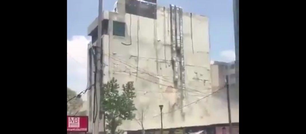 Стравичан земљотрес погодио Мексико (ВИДЕО)